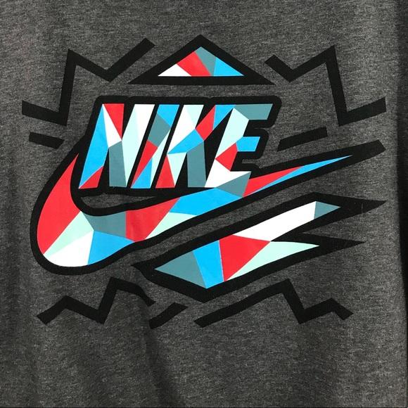 d323d7698 Nike Tops | Slim Fit Retro Pop Art Graphic Tee Shirt | Poshmark